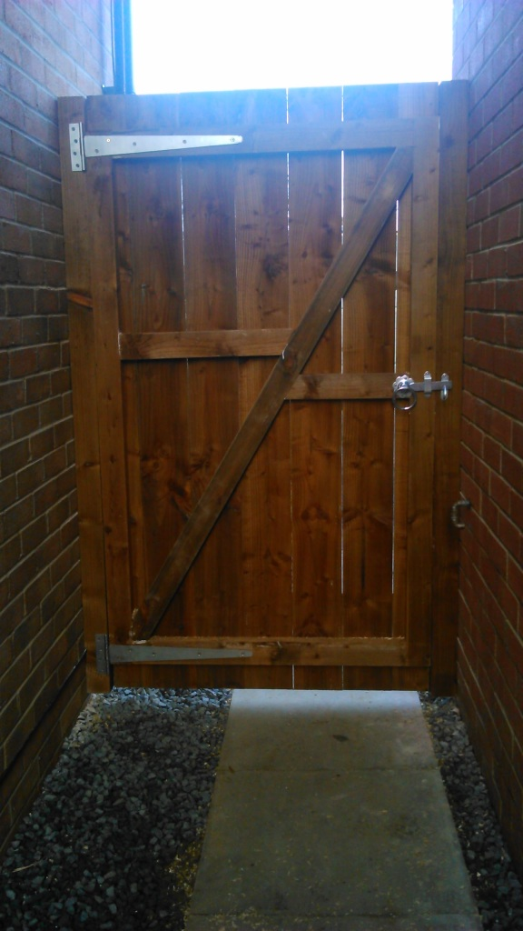 Gate made to measure